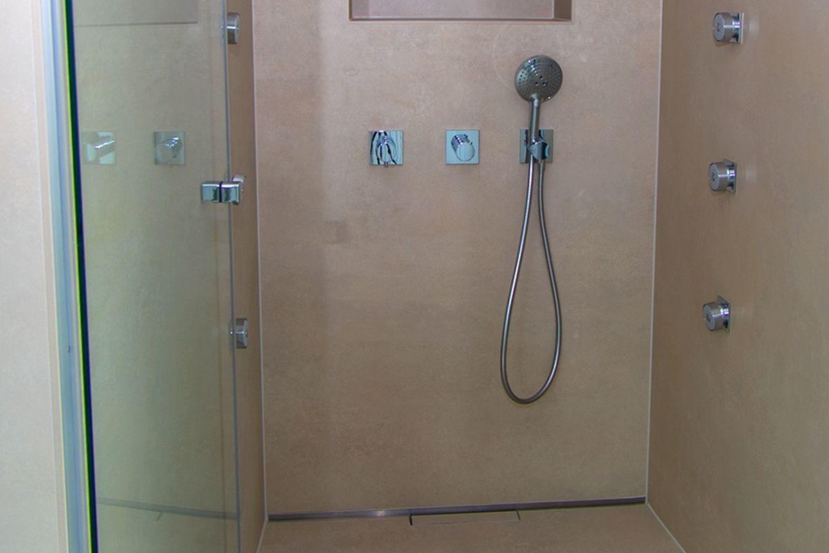 Abbildung Modernes Bad mit XXL-Fliesen Dusche